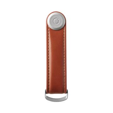 『鍵収納』をデザインする|《オール本革》もうドア前で迷わない。「鍵収納」を追求したスリムなキーケース|Orbitkey|Cognac / Tan