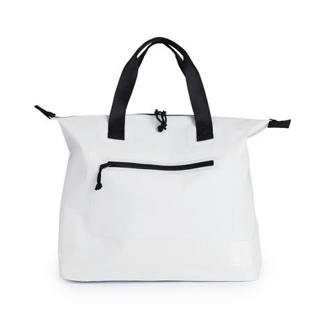 西海岸生まれの「都会派バッグ」|《トートバッグ》ウェットスーツの発明者が作った、防水・デザイン両立の「都会派バッグ」| BODY GLOVE|WHITE
