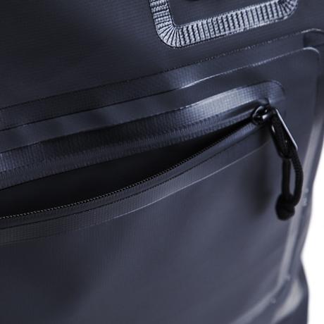 西海岸生まれの「都会派バッグ」|《トートバッグ》ウェットスーツの発明者が作った、防水・デザイン両立の「都会派バッグ」| BODY GLOVE|BLACK(次回入荷時期未定)