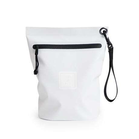 西海岸生まれの「都会派バッグ」|《Lサイズ・ポーチ》ウェットスーツの発明者が作った、防水・デザイン両立の「都会派バッグ」| BODY GLOVE|WHITE