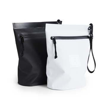 《Lサイズ・ポーチ》ウェットスーツの発明者が作った、防水・デザイン両立の「都会派バッグ」| BODY GLOVE