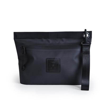 西海岸生まれの「都会派バッグ」|《Mサイズ・ポーチ》ウェットスーツの発明者が作った、防水・デザイン両立の「都会派バッグ」| BODY GLOVE|BLACK