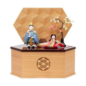 *購入特典付*《鹿沼組子 - 六角形(大)》7つの日本伝統工芸をコンパクトにした、木目込みプレミアム雛人形 | 宝想雛