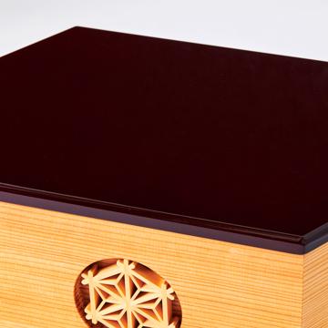 『毎年のしあわせ』が御嬢様と家族に訪れる|《六角形/大》7つの日本伝統工芸をコンパクトにした、木目込の「プレミアム雛人形」※第二期受注分 | 宝想雛|