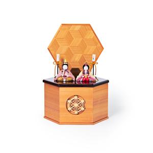 《六角形/小》7つの日本伝統工芸をコンパクトにした、木目込の「プレミアム雛人形」※第一期受注分 | 宝想雛