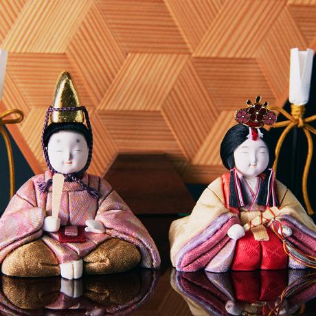 『毎年のしあわせ』が御嬢様と家族に訪れる|*3台限定《六角形/小》7つの日本伝統工芸をコンパクトにした、木目込の「プレミアム雛人形」※第三期受注分 | 宝想雛
