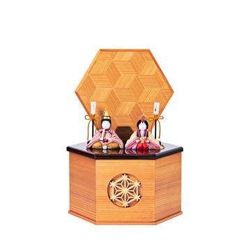 毎年のしあわせを願う「リビング雛人形」|《六角形/小》7つの日本伝統工芸をコンパクトモダンにした、江戸木目込の「プレミアム親王飾り」※第一期受注分|柿沼人形|宝想雛