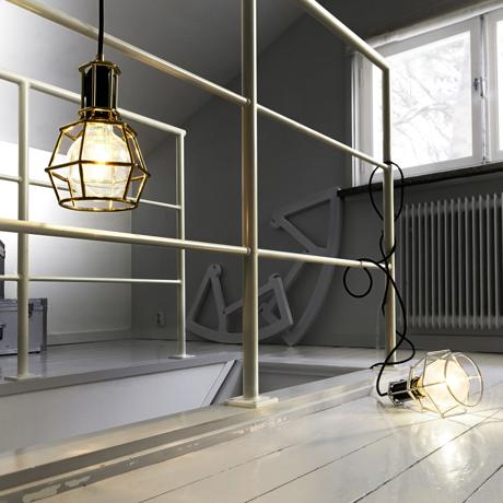 リラックスには『オレンジの灯』 【在庫限り】《Work Lamp》「光」を味方にリラックス、快眠習慣をもたらす間接照明(chrome)   DESIGN STOCKHOLM 