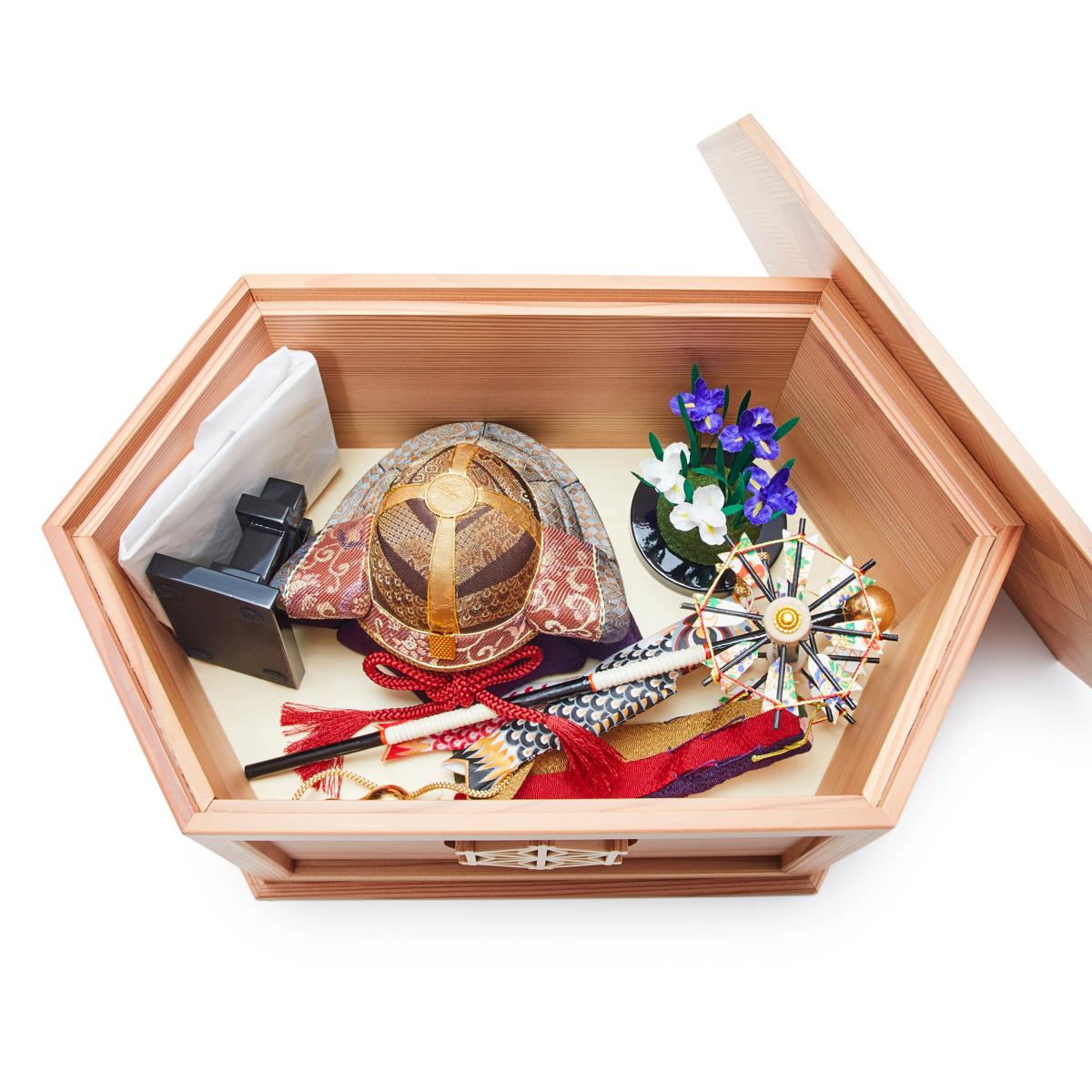 毎年の幸せを願う「五月人形」|《六角形・大》6つの日本伝統工芸をコンパクトにした、木目込の「プレミアム兜飾り」| 宝輝