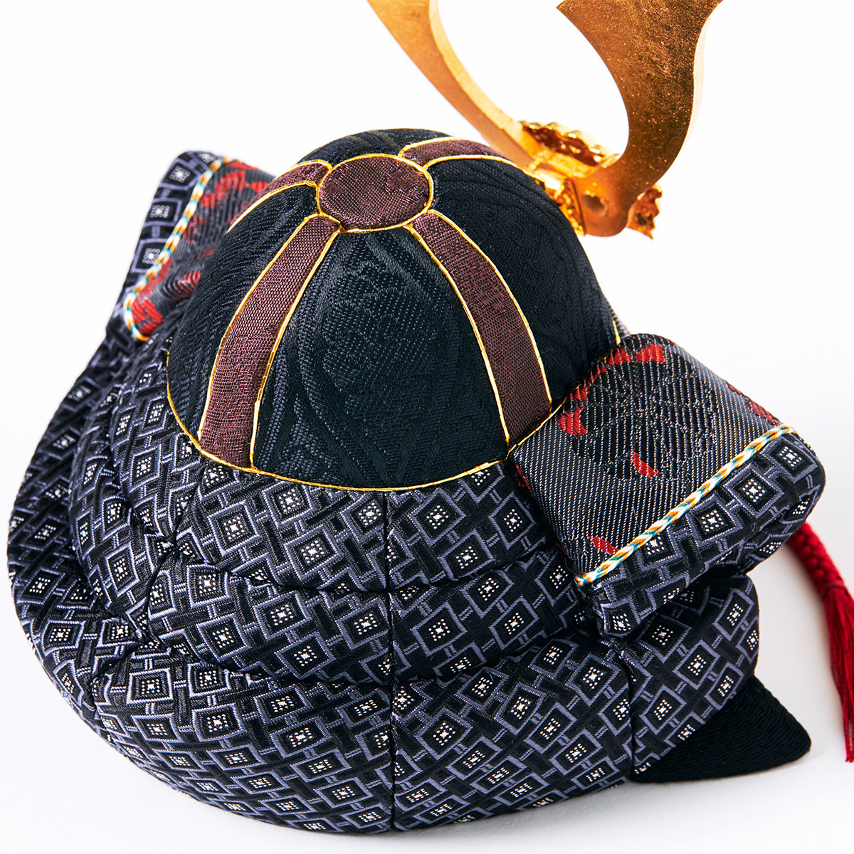 毎年のしあわせを願う「五月人形」|MONOCO限定《六角形/大》6つの日本伝統工芸をコンパクトにした、木目込の「プレミアム兜飾り」※第二期受注分 | 宝輝