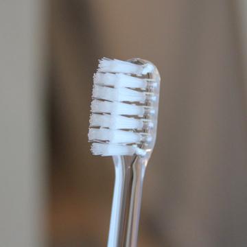 疲れた脳をリフレッシュする「歯磨き習慣」|《子ども用》歯磨きで疲れた脳をリフレッシュ、歯科医が設計した歯ブラシ|MOYÖ