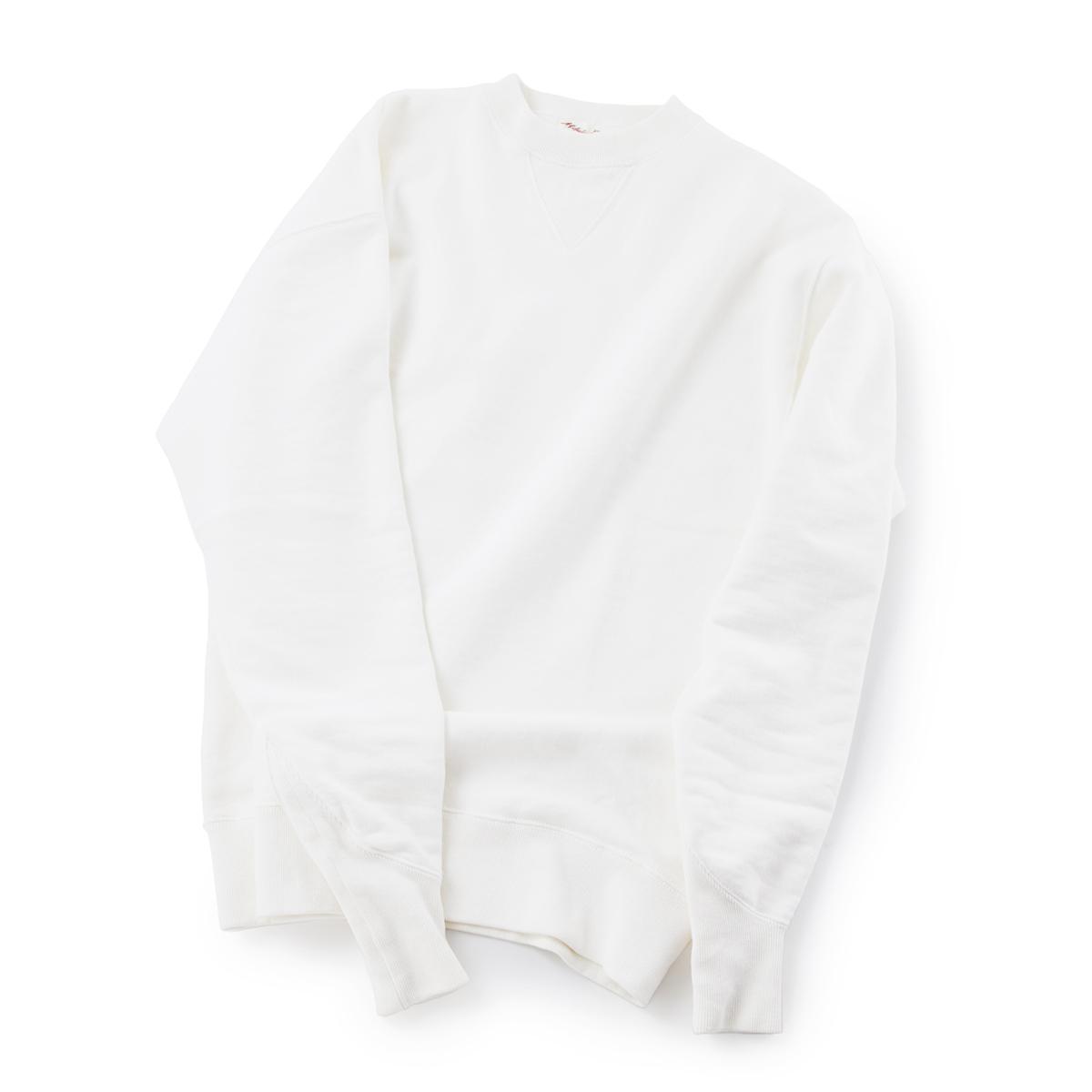 100年前のスウェット、復刻|《WHITE/トレーニングシャツ》腕元をすっきりと見せる独自のディテール、スポルディング社の名作から再構築されたスウェット|A.G. Spalding & Bros