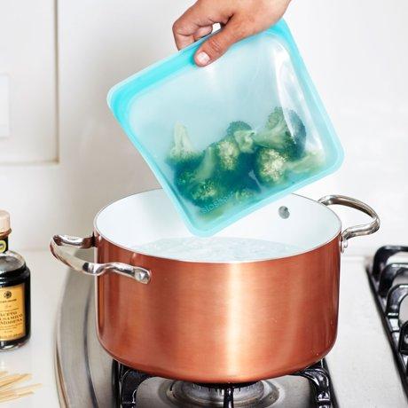 3000回加熱・冷凍できる密閉シリコンバッグ|《450ml/サンドイッチ》食材の密閉保存から調理まで、これひとつでOK!繰り返し使えるマルチバッグ|stasher<br>