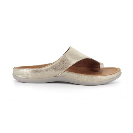スニーカー感覚で歩き回れる「サンダル」|CAPRIレザーインソール (23-23.5cm) 独自開発の立体インソールで、スニーカーみたいに歩き回れる「サンダル」|strive|GoldMetallic