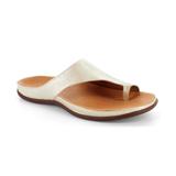 スニーカー感覚で歩き回れる「サンダル」|CAPRIレザーインソール (25-25.5cm) 独自開発の立体インソールで、スニーカーみたいに歩き回れる「サンダル」|strive|Pale Gold Metallic