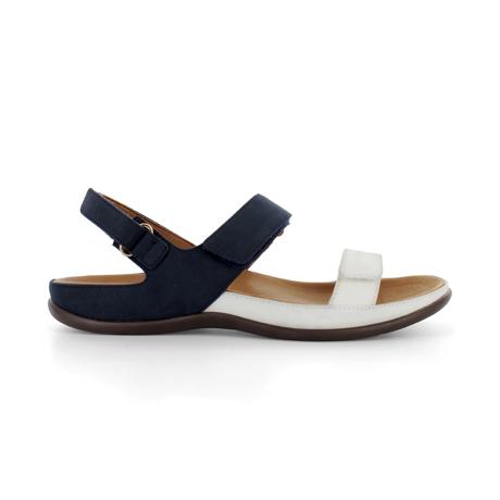 スニーカー感覚で歩き回れる「サンダル」|KONA (23-23.5cm) 独自開発の立体インソールで、スニーカーみたいに歩き回れる「サンダル」|strive|Marshmallow/Navy-Nubuck