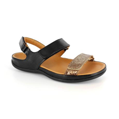 スニーカー感覚で歩き回れる「サンダル」|KONA (23-23.5cm) 独自開発の立体インソールで、スニーカーみたいに歩き回れる「サンダル」|strive|Black