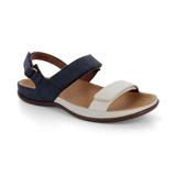 スニーカー感覚で歩き回れる「サンダル」|KONA (24-24.5cm) 独自開発の立体インソールで、スニーカーみたいに歩き回れる「サンダル」|strive|Marshmallow/Navy-Nubuck
