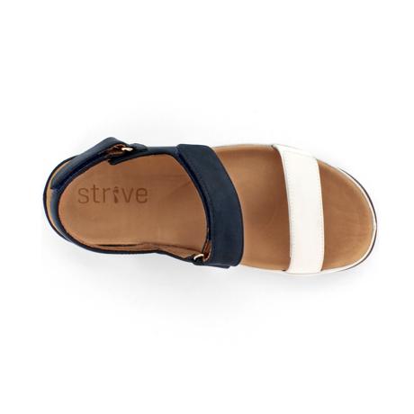 スニーカー感覚で歩き回れる「サンダル」|KONA (25-25.5cm) 独自開発の立体インソールで、スニーカーみたいに歩き回れる「サンダル」|strive|Marshmallow/Navy-Nubuck