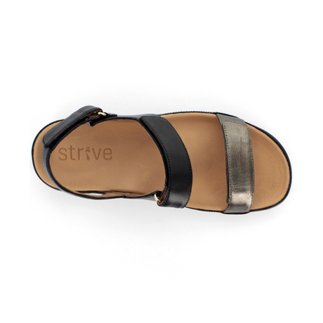 スニーカー感覚で歩き回れる「サンダル」|KONA (25-25.5cm) 独自開発の立体インソールで、スニーカーみたいに歩き回れる「サンダル」|strive|Black/Antracite