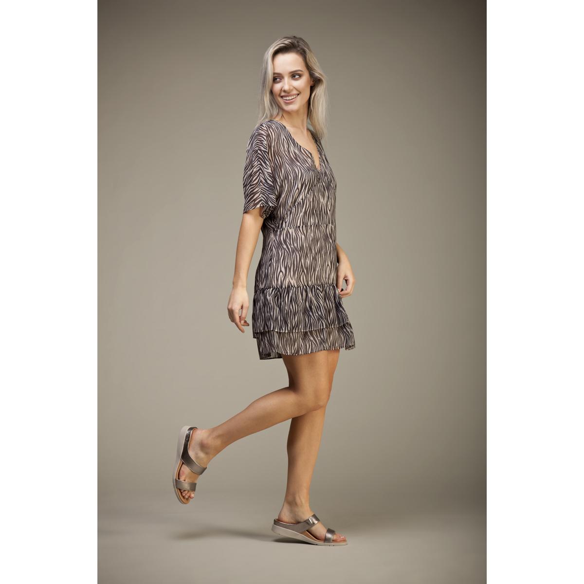 スニーカー感覚で歩き回れる「サンダル」|FARO (22-22.5cm) 独自開発の立体インソールで、スニーカーみたいに歩き回れる「サンダル」|strive
