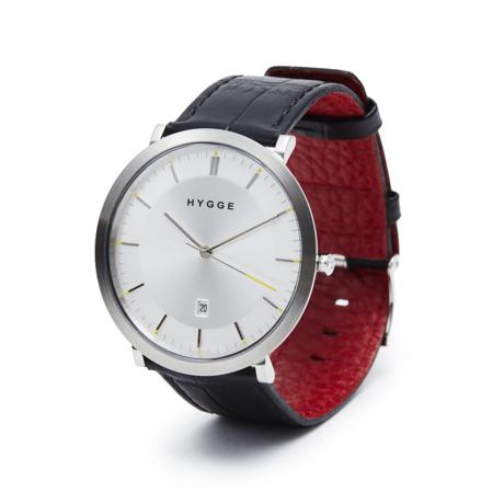 """自由を生み出す『薄さ2.33ミリ』のムーブメント 肌に触れる面積が1/3、""""薄い・軽い"""" 装着感の腕時計《LEATHER BAND》   HYGGE Black×White"""