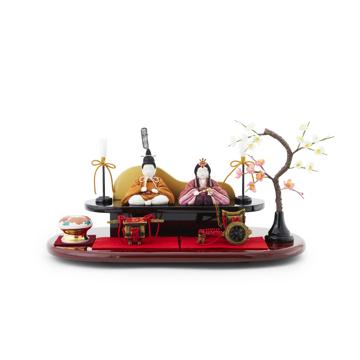 『毎年の幸せ』が御嬢様と家族に訪れる|*今期完売*《二段飾り》2019年・改元を記念した、木目込みプレミアムコンパクト雛人形 | 風雅|