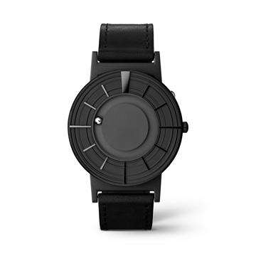 "《EDGE》5つの円と縦横の凸で""時間を触る""を追求したNEWモデル、二つのボールで時を刻む「腕時計」 | EONE"