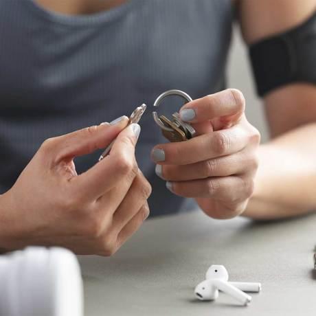 『鍵収納』をデザインする|《Orbitkeyオプション》電子キーもCHIPOLOもスマートに付けられるスライド式リング|Orbitkey Ring Allblack|