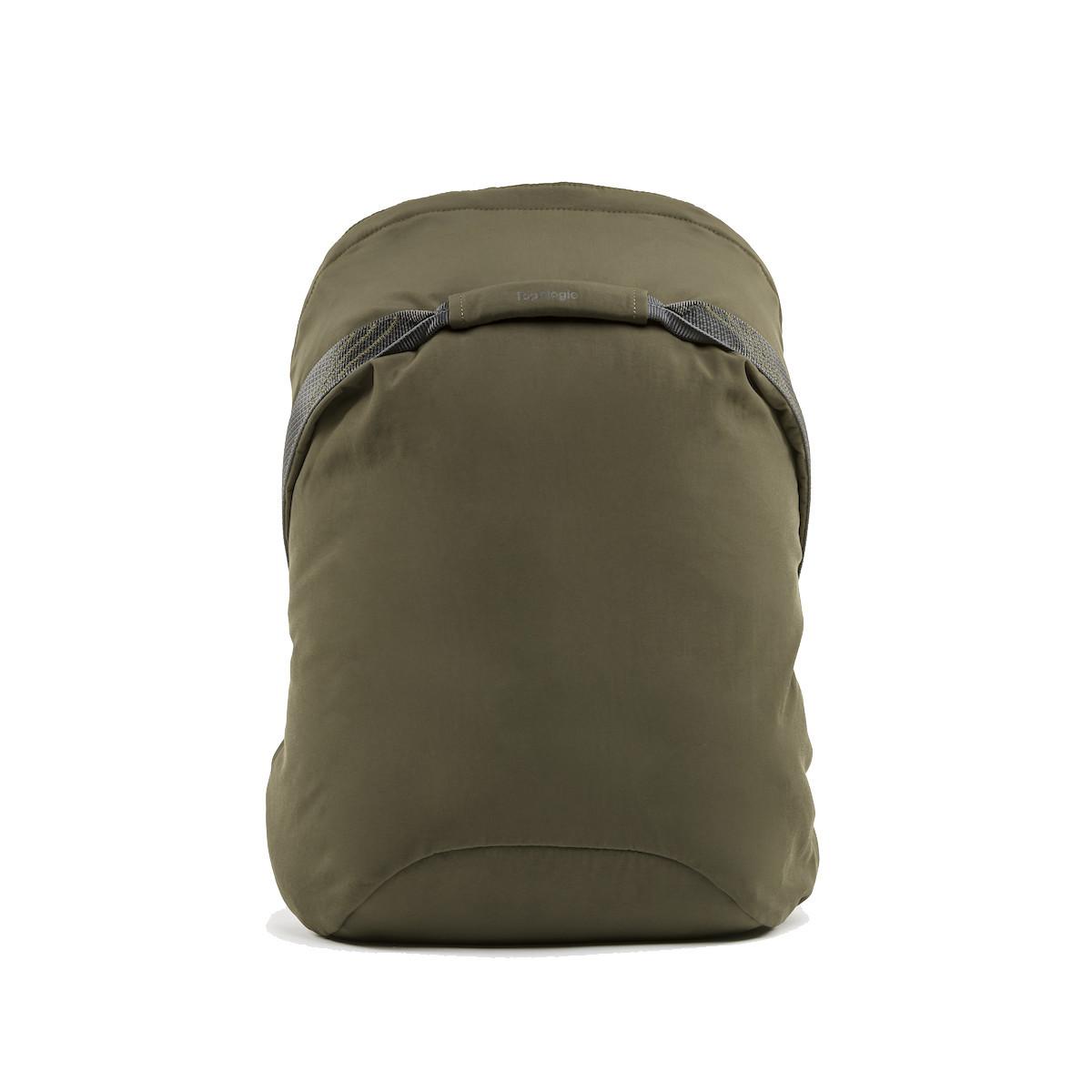 岩への挑戦から生まれた『街バッグ』|《マルチピッチ・バックパック(S)/18L》超軽量、動きを邪魔しない、荷重を分散、ミニマムデザインの「バックパック」 | Topologie