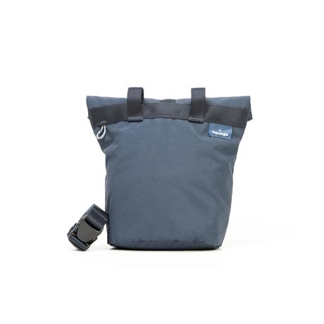岩への挑戦から生まれた『街バッグ』|《チョークバムバッグ/3L》わずか141g!安定構造&荷物の出し入れがラクな「4WAYウエストバッグ」 | Topologie|NAVY
