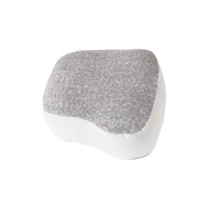 《SEINOパイルニット 枕&カバー》横向き寝の姿勢をサポート、スマホや本がラクに読める「ふんわりピロー」|HONTO