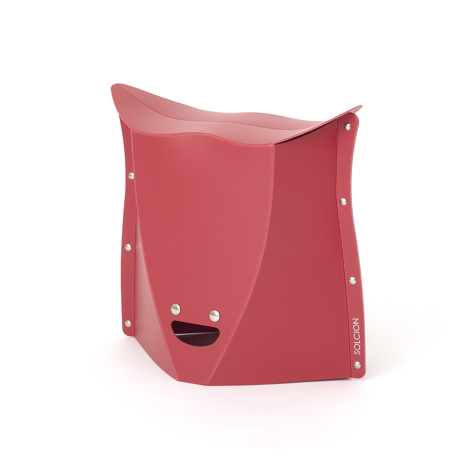 薄さ3センチの「どこでもイス」|《NEW PATATTO 320(高さ32cm)》使う場所を選ばない、どこにでも持ち歩けるイス|PATATTO|レッド