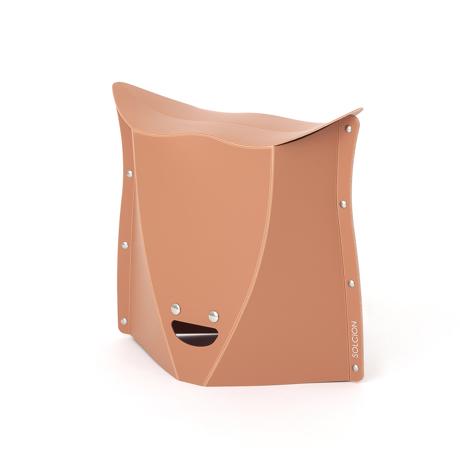 薄さ3センチの「どこでもイス」|《NEW PATATTO 320(高さ32cm)》使う場所を選ばない、どこにでも持ち歩けるイス|PATATTO|テラコッタ