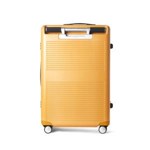 "《Type A/63L》手を添えるだけで滑らかに走行、""気の利く""設計であなたの旅路に寄り添うスーツケース(4〜5泊)|RAWROW"
