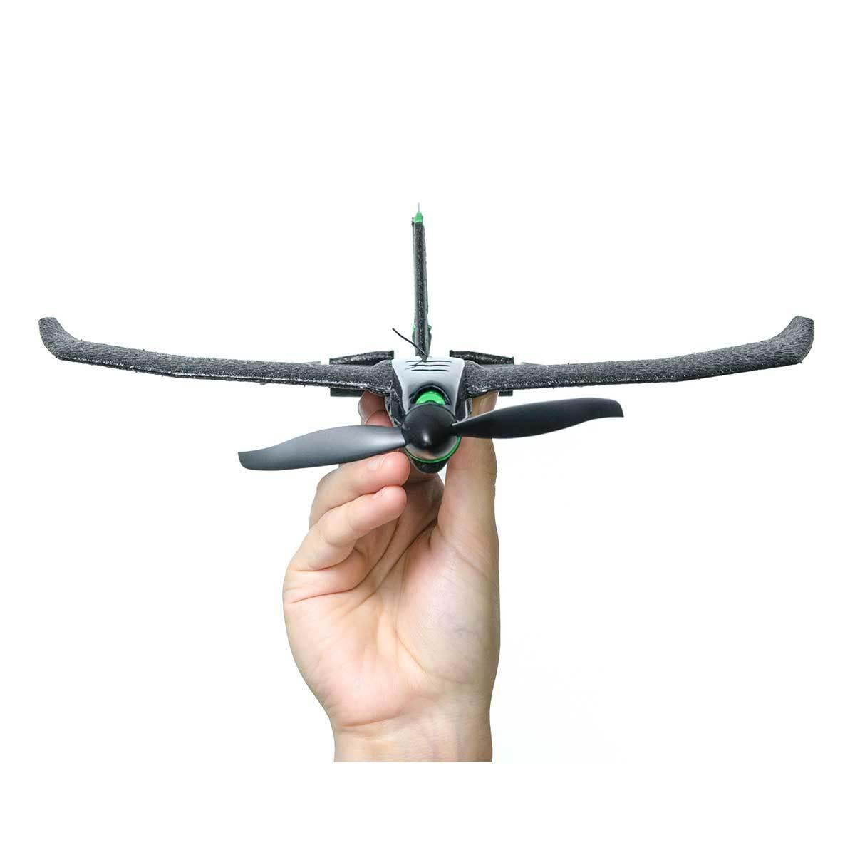 飛んでけ!みんなが笑顔になる『未来の紙飛行機』|スマホでカンタン操作、1秒で最速9.7m飛ぶ「飛行機型ドローン」|Toby Rich