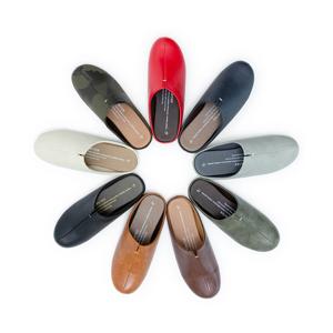 靴の製法でつくったからトコトン歩きやすい「スリッパ」|room's