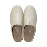 スキップしたくなる『スリッパ』|靴の製法でつくったからトコトン歩きやすい「スリッパ」|room's|アイボリー/L(25-27cm)