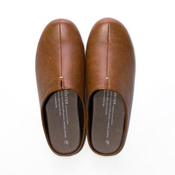 スキップしたくなる『スリッパ』|靴の製法でつくったからトコトン歩きやすい「スリッパ」|room's|キャメル/L(25-27cm)