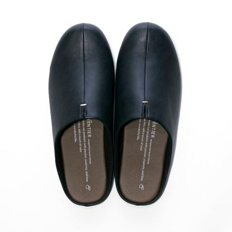 スキップしたくなる『スリッパ』|靴の製法でつくったからトコトン歩きやすい「スリッパ」|room's|ネイビー/M(22.5-24.5cm)