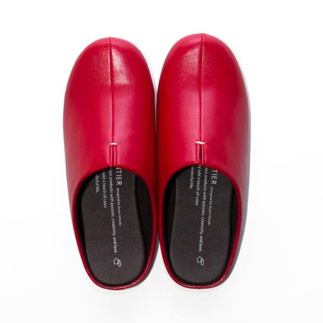 スキップしたくなる『スリッパ』|靴の製法でつくったからトコトン歩きやすい「スリッパ」|room's|レッド/M(22.5-24.5cm)