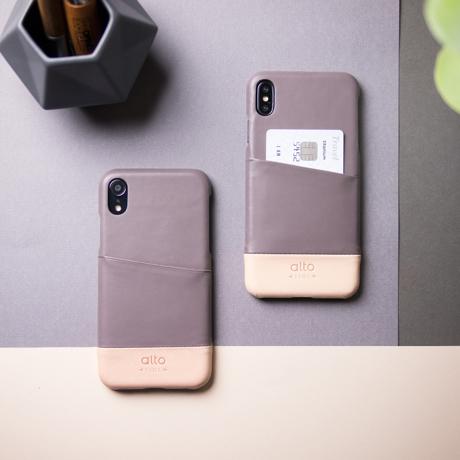 "iPhoneに""素肌""の気持ち良さ|革作りから手がけ、iPhoneとの「完璧な調和」を追求したカードホルダー付きスマホケース|Alto(iPhone X, XS, XR対応)|iPhone XR - グレー/ナチュラル"