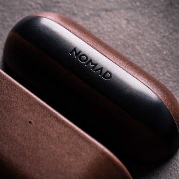 "AirPodsに憧れの""革ジャケット""を|100日後に分かる、本当の艶と味。米国最高峰のホーウィン社製レザーで仕立てた、ワイヤレ充電対応の「AirPods/AirPods Proケース」| NOMAD"