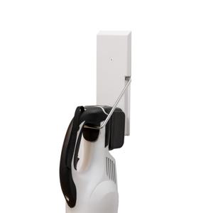 穴が目立たない極細ピンで、コードレス掃除機をスマートに壁掛けできるフック|Pinde
