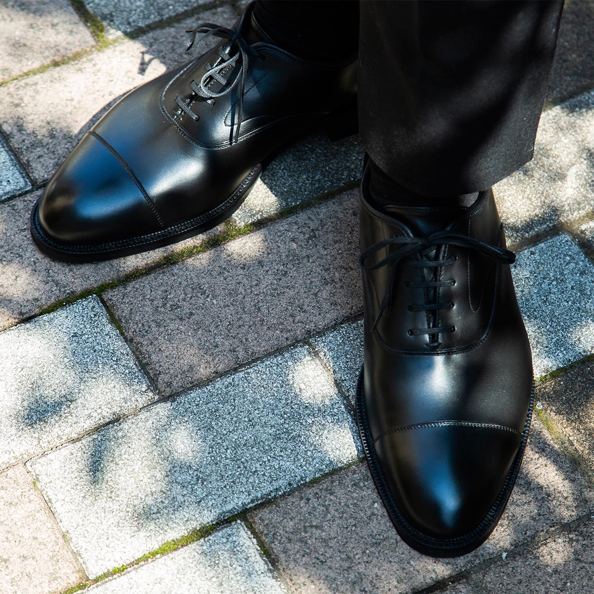 水も滴るいい「紳士靴」|雨水が染み込まない・継ぎ目なしの防水構造、まるで革靴のような気品漂う「レインシューズ」|三陽山長