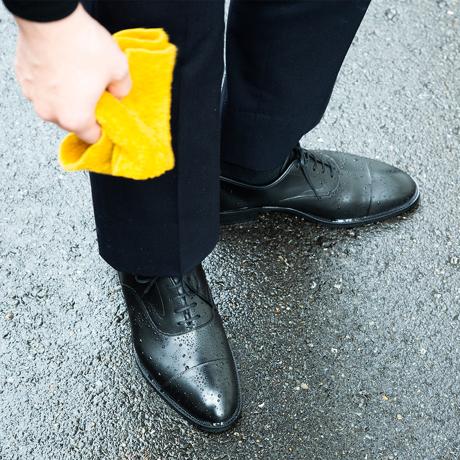 水も滴るいい「紳士靴」|雨水が染み込まない・継ぎ目なしの防水構造、まるで革靴のような気品漂う「レインシューズ」|三陽山長|24.5-25cm(6.5US)