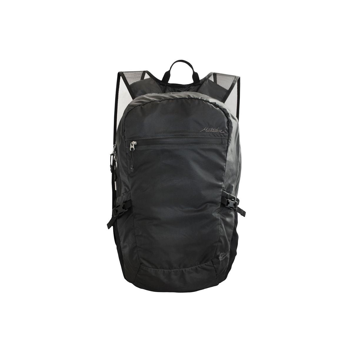 手のひらサイズになる大容量バッグ|《16L/ブラック》旅先や日常生活でアクティブに動き回れる、手のひらサイズにたためる防水仕様のバックパック|Matador freefly16
