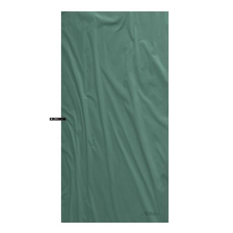 手のひらサイズになる大容量バッグ|《2019新作》極薄&超軽量なのに驚きの吸水速乾性。小さくたためて、ビーチやジムでもっと身軽になれる「ナノドライタオル」 | Matador NanoDry Shower Towel|フォレストグリーン
