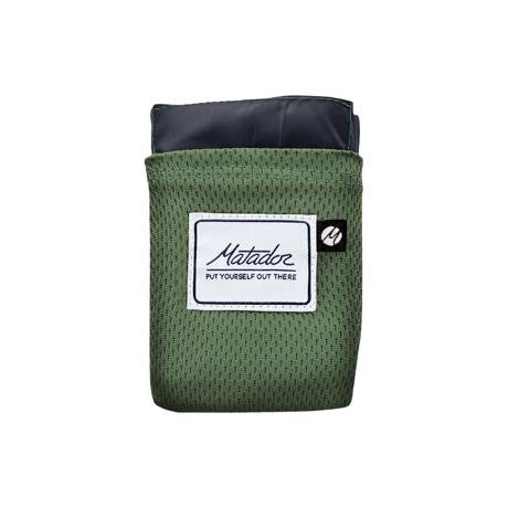 手のひらサイズになる大容量バッグ|《2〜3人用》いろんな場面で大活躍する、手のひらサイズにたためる撥水仕様レジャーシート|Matador POCKET BLANKET|アルペングリーン