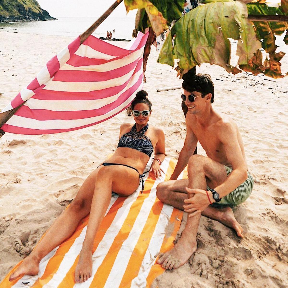 世界のビーチから生まれた「バカンスタオル」|《ビーチタオル》水をサッと吸収、砂がつかないマイクロファイバー製のカラフルタオル|DOCK & BAY